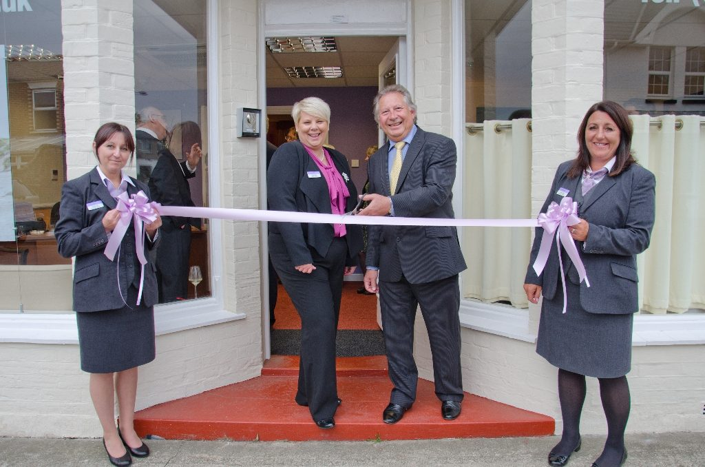 Cllr George Cameron officially opens the Freshwater branch of Co-operative Funeralcare