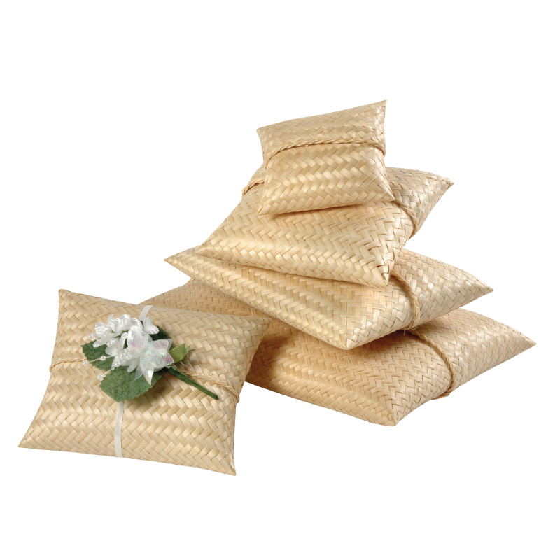 Scatter pouch for cremated remains